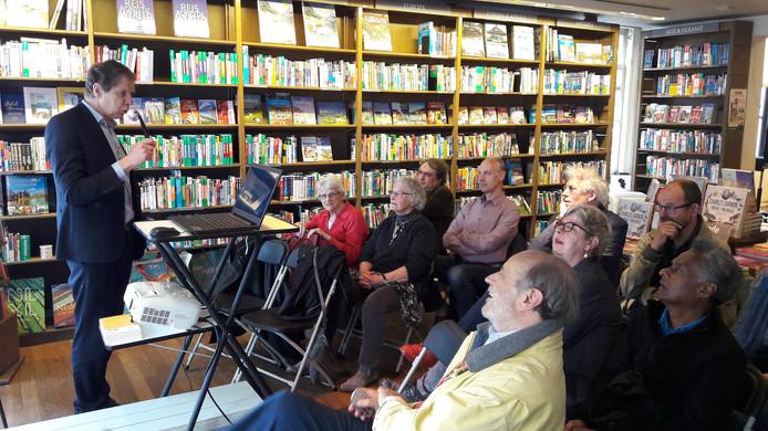 Wim Daniels vertelt over zijn laatste boek, 'De lagere school' en zijn volgende, over de mulo.