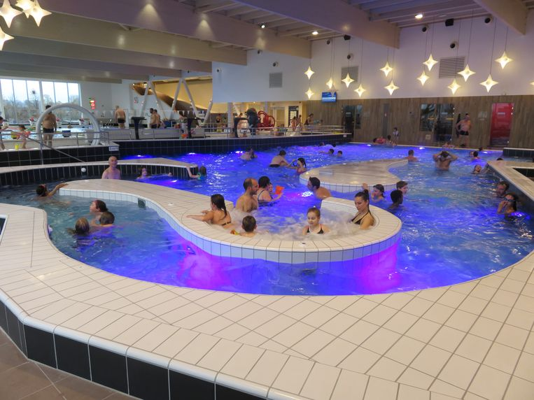 Donderdagavond blijft het zwemnbad open tot middernacht