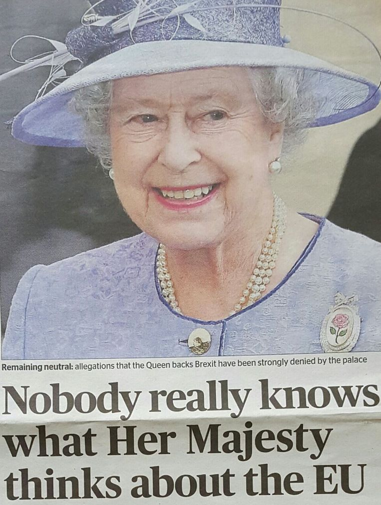 Krantenknipsel uit de Evening Standard. Beeld