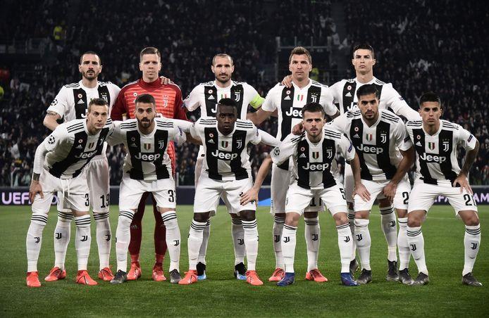 Tweede van linksonder: Spinazzola eindelijk in actie voor Juventus.