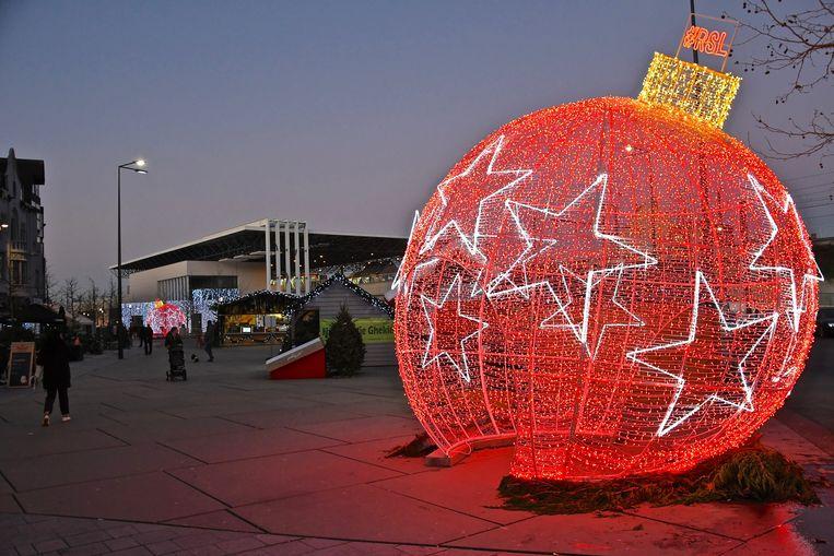 Het Stationsplein is dit jaar een trekpleister in het kerstshoppinggebeuren.