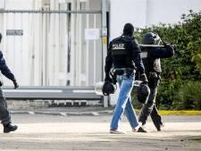 140 agenten vallen meerdere huizen binnen in regio Nijmegen