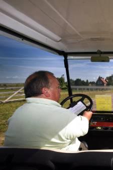 Met golfkarretje naar de Grebbelinie