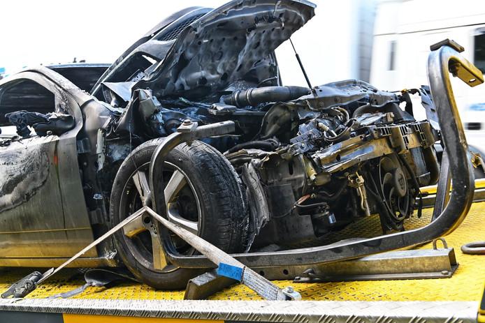 Omgeluk met vrachtwagen en auto op A58 bij Ulvenhout.
