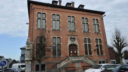 Verkoop oud-gemeentehuis minstens tijdelijk opgeschort