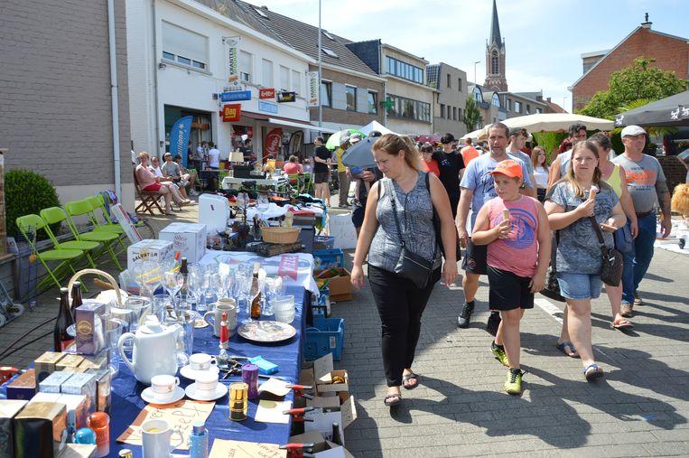 De 'Grootste Garageverkoop en Rommelmarkt van Vlaanderen' lokte opnieuw veel volk naar Welle.