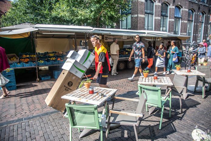 Markt vanwege kermis verplaats naar Gasthuisplein en Nieuw Markt, tot grote ergernis van de horeca.