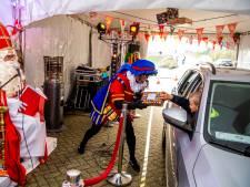 Tóch een sinterklaasfeest: in Capelle konden kinderen met de auto langs de sint