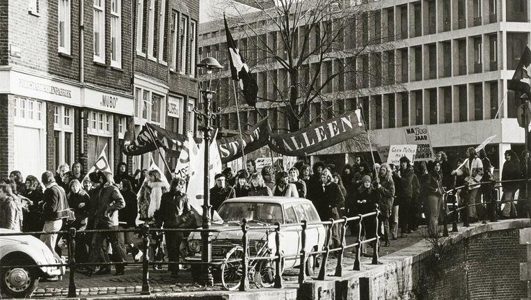 Protest bij de Nieuwmarkt, 1975. Beeld Pieter Boersma