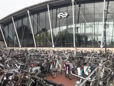 Best pakt overlast fietsen rond NS-station aan