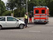 Duitse ambulance mét patiënt aangereden in Aalten