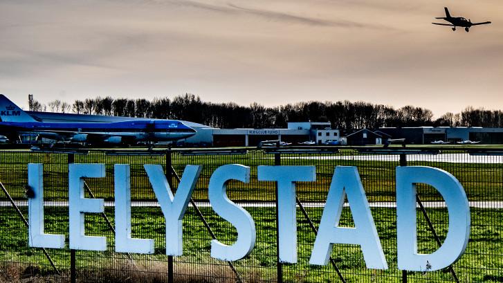 Vliegtuigen boven Zwolse wijk Stadshagen niet lager dan 1.500 meter, belooft minister