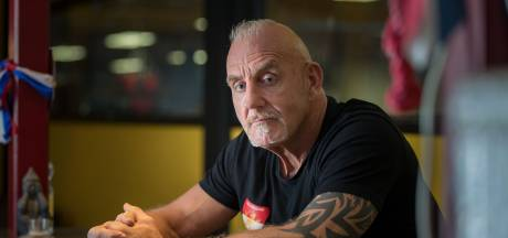 Bekende Zwolse boksschoolbaas Loek van den Bos overleden