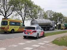 Fietsend meisje aangereden door vrachtauto bij Lewedorp