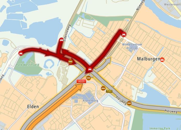 De verkeerssituatie op het Nijmeegseplein in Arnhem-Zuid, vrijdagochtend rond half negen.