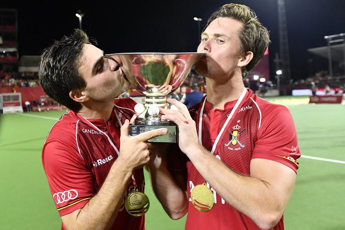 Arthur van Doren (l) en Tom Boon vieren het winnen van de de EK-finale tegen Spanje afgelopen jaar.