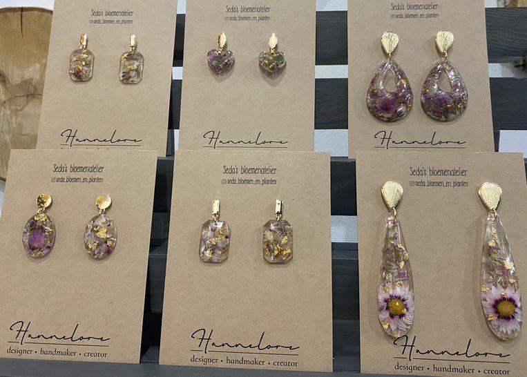 Je kan er ook juwelen van Hannelore Handmade kopen.