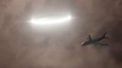 """Piloten opgeschrikt boven Ierland: """"Zeer helder licht en razendsnel vliegend object"""""""