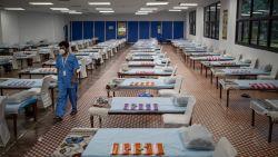 Het coronavirus grijpt wereldwijd steeds onbeheersbaarder om zich heen