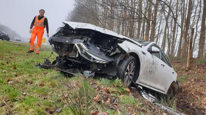 Bestuurder komt met de schrik vrij bij ongeval op A1 bij Borne.