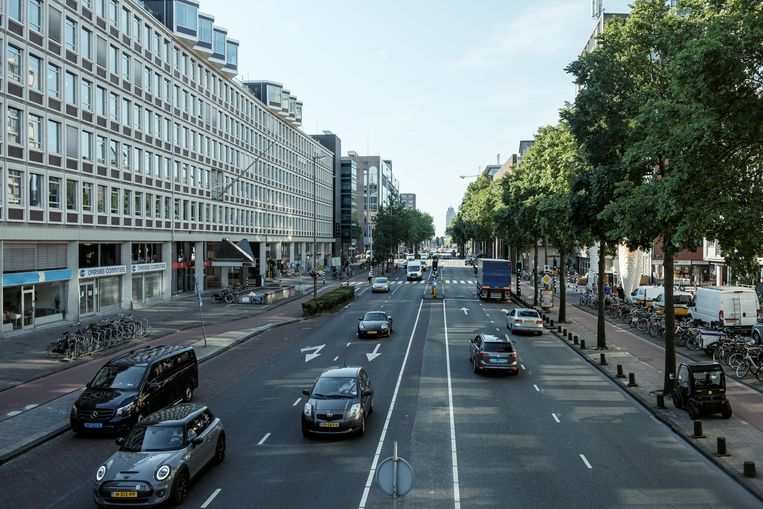 De Weesperstraat gezien in zuidoostelijke richting ter hoogte van de Nieuwe Keizersgracht. Beeld Jakob Van Vliet