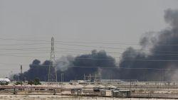 Olieprijzen zakken weer na positieve berichten olieproductie in Saudi-Arabië, VS beschuldigen Iran opnieuw