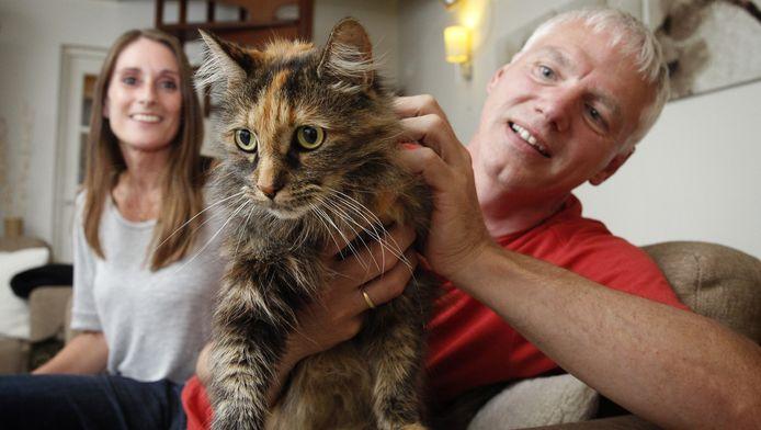 Chloe is na een 'vakantie' in Frankrijk weer terug bij haar baasjes.