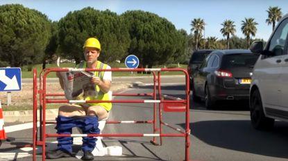 Wegenwerker Rémi Gaillard treitert automobilisten