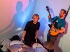 Drummer is nu verhuizer: 'Klote, maar het is niet anders'