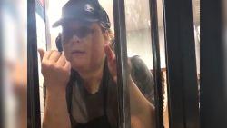 Medewerkster fastfoodrestaurant ontslagen na islamofobe opmerkingen