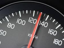 Bestuurder rijdt 100 kilometer per uur te snel op A4
