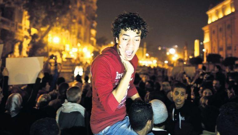 Betogers protesteren op het Tahrirplein in Caïro tegen de vrijspraak van oud-president Mubarak. Beeld afp