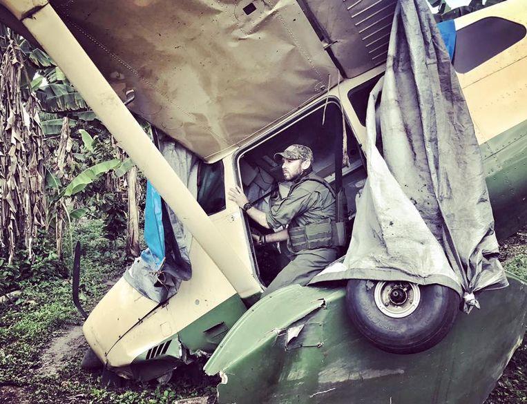 Anthony Caere keerde zondag terug naar de plek in de jungle waar hij vijf maanden geleden neerstortte.