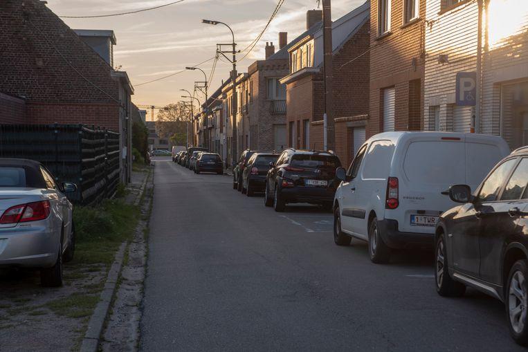 De Serskampsteenweg tussen Smetledesteenweg en Acaciastraat wordt ingericht als woonerf. De rijrichting wordt omgedraaid.