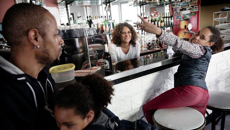 Het O'nosso-café in Nordstadt. Beeld Daniel Rosenthal / de Volkskrant