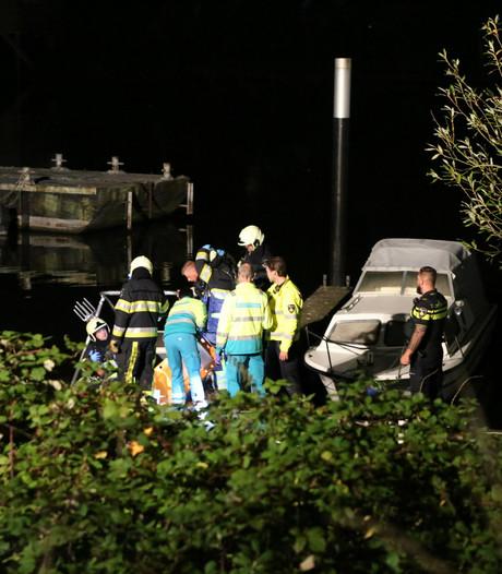 Vrouw badend in benzine gevonden in boot Heusden