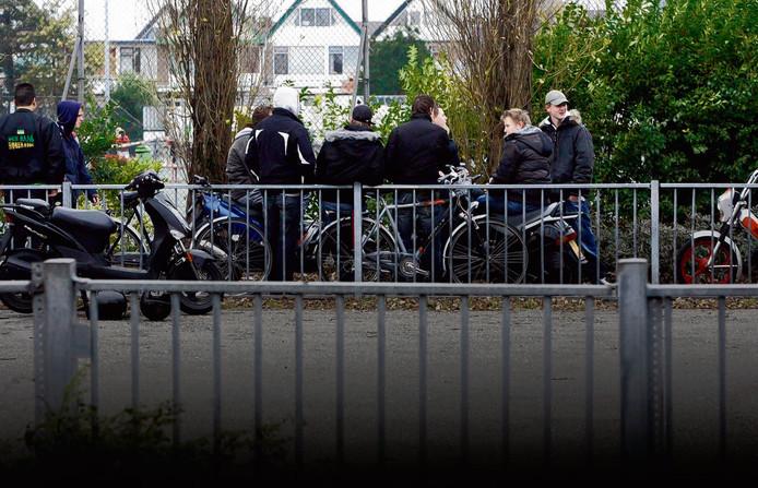 Kinderen tussen de 12 en 16 jaar oud gaan probleemgedrag vertonen als ze verhuizen van een achterstandswijk naar een rijkere buurt, blijkt uit nieuw onderzoek.