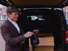 Kapper geeft gratis goodiebags aan 'hardwerkende mannen' van Slingeland ziekenhuis