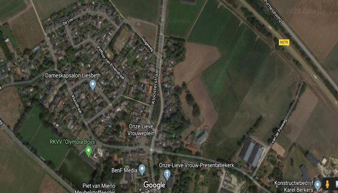 Rechts op de foto staan de gronden aan de Kloosterstraat in Ommel waar de gemeente Asten het recht heeft bedongen om die als eerste aan te kopen.