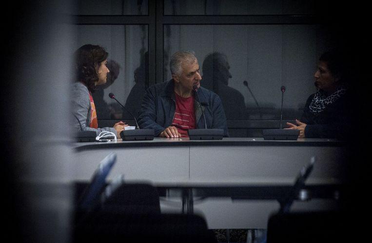 Anouchka van Miltenburg, links, in gesprek met de Koerdische delegatie Beeld anp