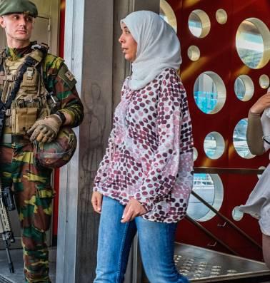 """Laila ben Allal: """"Al die militairen op straat, dat is weggegooid geld"""""""