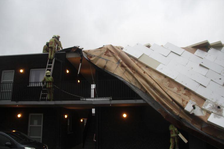 Dankzij de inspanningen van de brandweer bleven de flats zelf gevrijwaard.