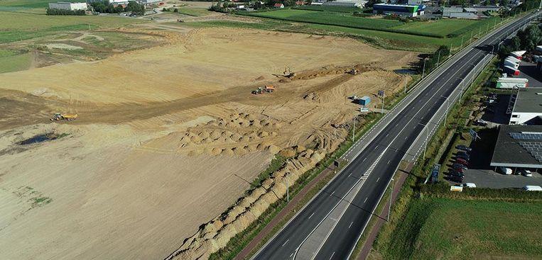 De werken aan de enorme glastuinbouwzone gingen gisteren officieel van start.