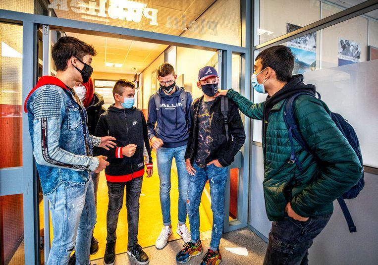 Leerlingen van het Griftlandcollege in Soest.  Beeld Raymond Rutting / de Volkskrant