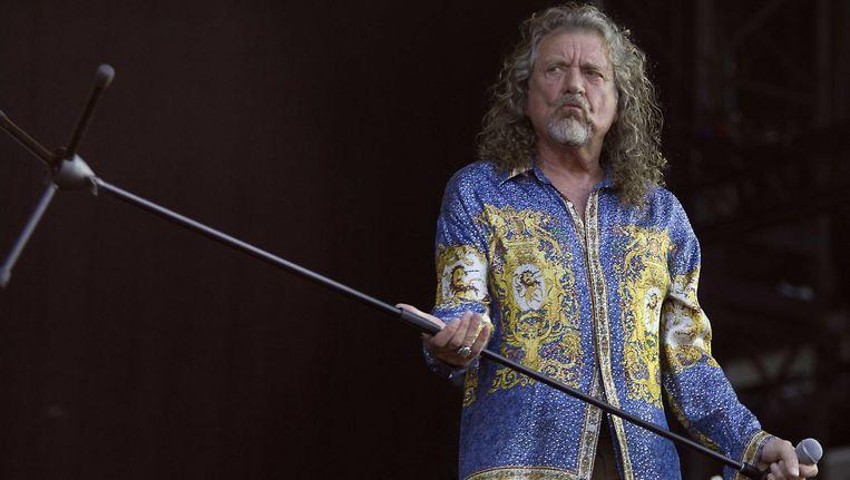 Robert Plant van Led Zeppelin, tijdens het optreden met zijn huidige band The Sensational Shifters. Beeld epa