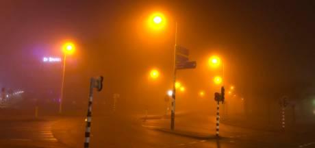 Waarschuwing voor dichte mist in Oost-Nederland: 'Gevaarlijke omstandigheden'