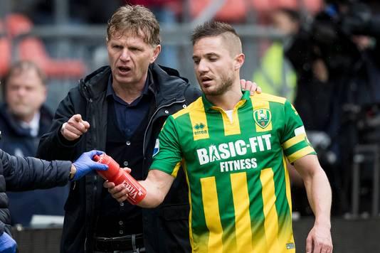 Trainer Fons Groenendijk: ,,Geen paniekvoetbal nu.''