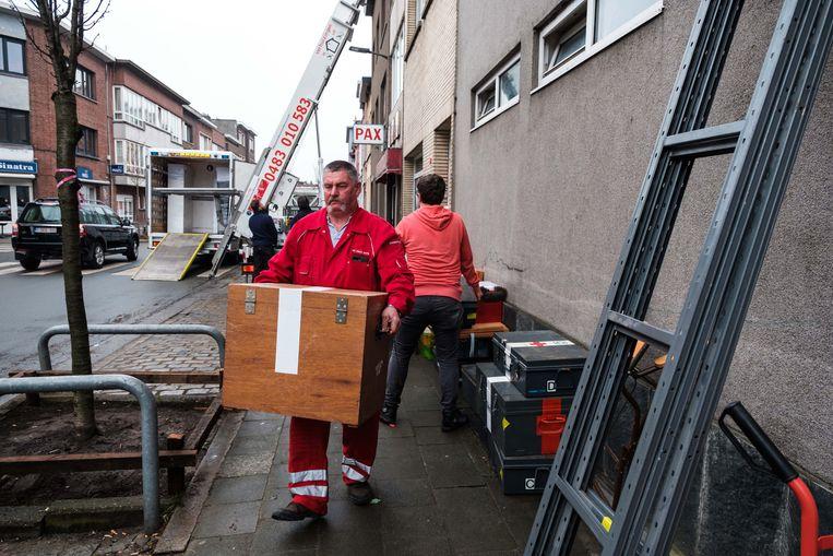 Rode Kruis Borgerhout Staat Op Straat Hopeloos Op Zoek Naar Nieuwe