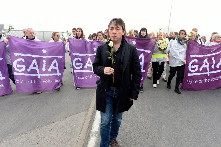 Michel Vandenbosch van Gaia tijdens een protestmars aan het slachthuis.