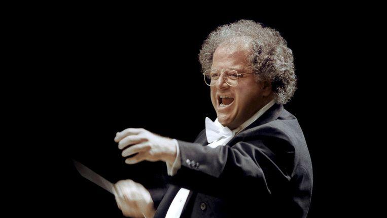 Dirigent James Levine op een archieffoto uit 2001. Beeld reuters